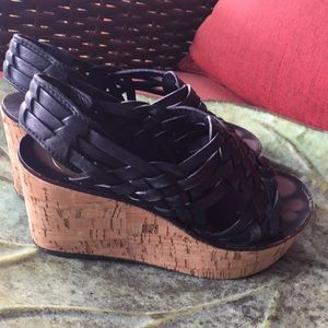Tory Burch size 5 1/2 wedges